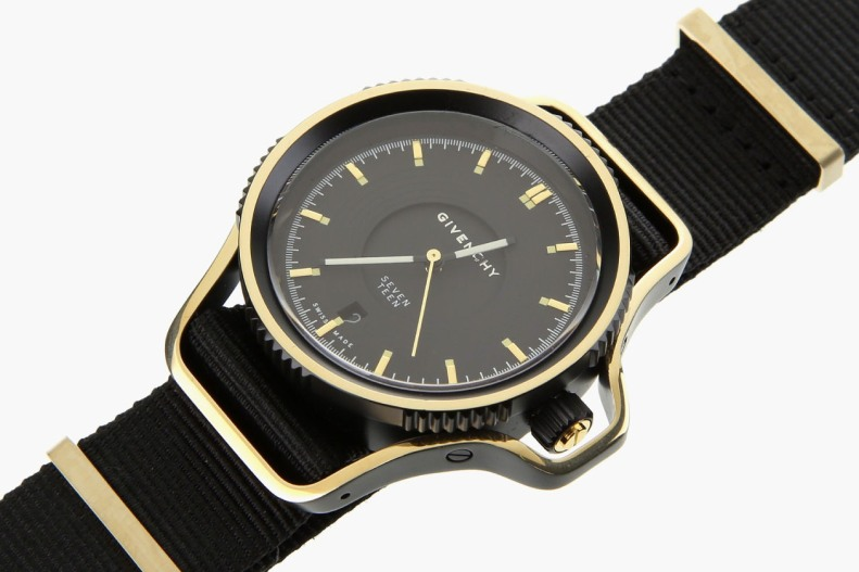 givenchy-seventeen-watch-2-1260x840
