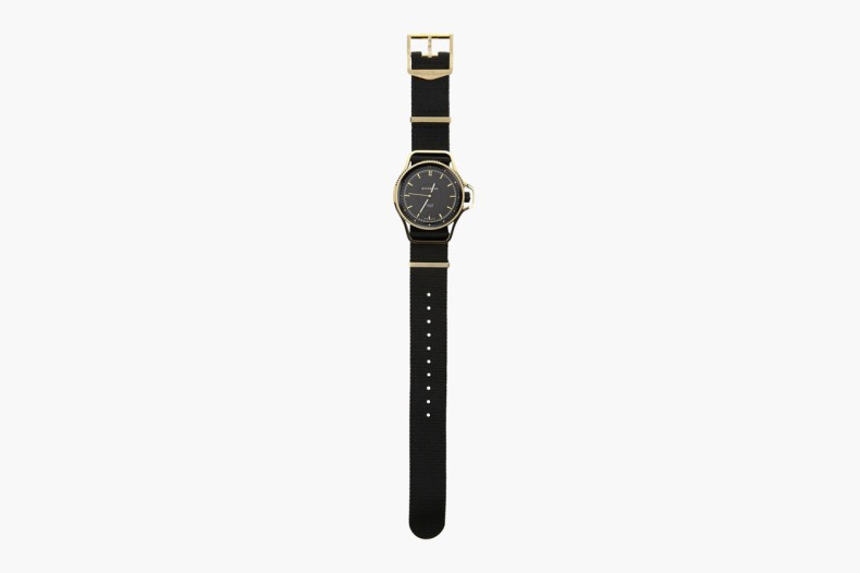 givenchy-seventeen-watch-3-1260x840