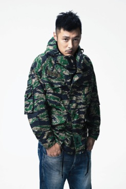 a-bathing-ape-x-common-sense-2014-lookbook-1