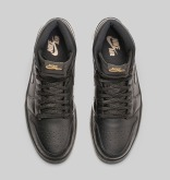 air-jordan-i-1-high-og-black-gum-official-05