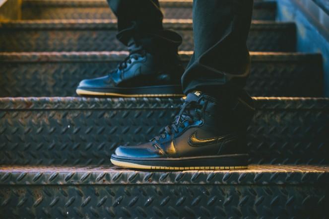 Air_Jordan_1_OG_Black_Black_Gum_555088_020_Sneaker_Politics_Hypebeast_1_1024x1024