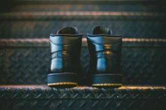 Air_Jordan_1_OG_Black_Black_Gum_555088_020_Sneaker_Politics_Hypebeast_7_1024x1024