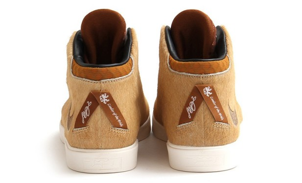 lebron-12-lions-mane-available-03