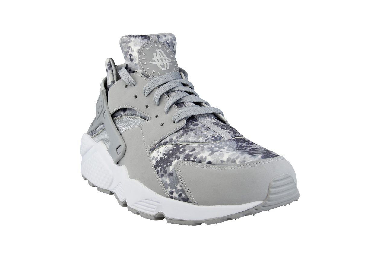 49fd28d2549 ... australia the nike air huarache snow camo pack will release via foot  locker eu on november
