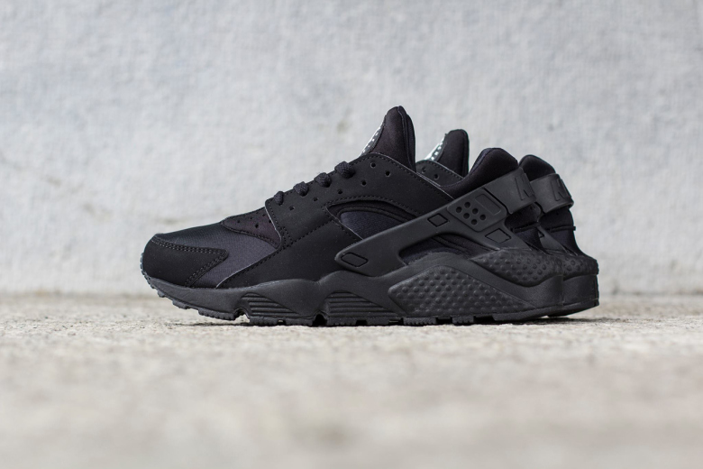 89d9a48f8547a australia nike air huarache womens shoe aa68a 39af0  top quality nike air  huarache triple black 1 bd827 74805