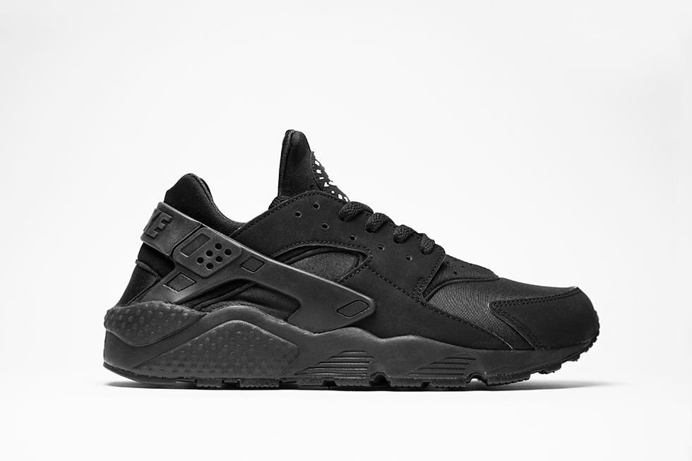 nike-air-huarache-triple-black2