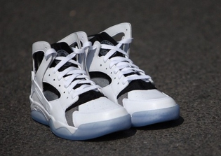 nike-air-flight-huarache-white-black-ice-4